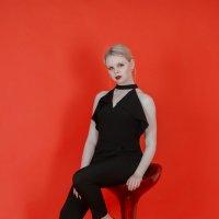 красное и черное :: Мария Гребенева