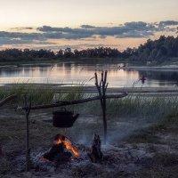 Летние сумерки на реке :: Ирина Приходько