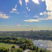 Небо, вода и город Москва :: Александр Башлай
