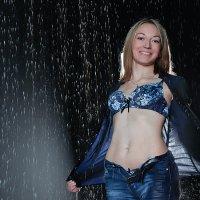 Под дождем :: Наталья