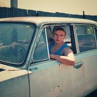 Поедем, красотка, кататься.... :: Олег