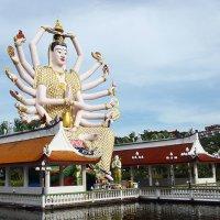 Гуань Инь Wat Plai Laem :: seseg Seseg