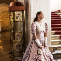 Девушка в розовом платье. :: Alla S.