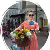 Девушка с велосипедом :: Ростислав