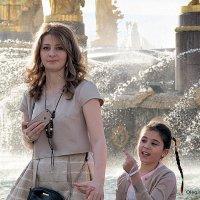 мама,дочка и взгляд :: Олег Лукьянов