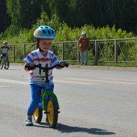 Юный велогонщик :: Андрей + Ирина Степановы