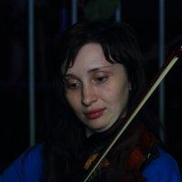 Скрипачка Катя :: Юрий Гайворонский