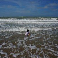 Малыш и море ... :: Алёна Савина