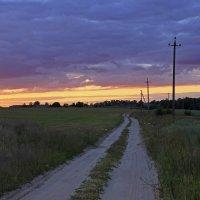 закат по дороге :: оксана