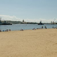 Сдаётся городской  вид с пляжем.... :: tipchik
