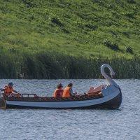 Катание по озеру Кабан :: Сергей Цветков