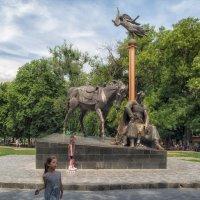 Летний день в Старо-Базарном сквере. :: Вахтанг Хантадзе