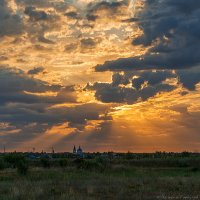 Рассвет по дороге на Астрахань :: Валерий Горбунов
