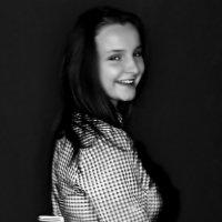 ПРИЩЕПКА.  (делаем талию - блузка великовата..) :: Валерия  Полещикова