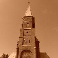 Римо - католический   храм   в   Отыние :: Андрей  Васильевич Коляскин