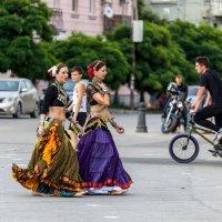 На улицах города :: Андрей Lyz