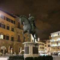 Флоренция. Памятник Козимо Медичи :: Владимир Мотузенко