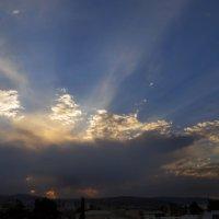 Солнце прячется за тучки :: Наталья (D.Nat@lia) Джикидзе (Берёзина)