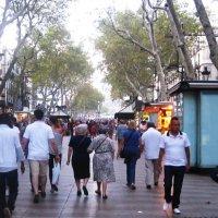 Барселона. Пешеходный бульвар Ла- Рамбла :: татьяна