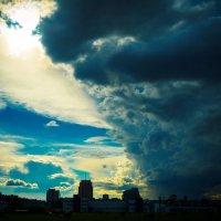 Темные силы идут на город :: Юрий Плеханов