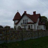 Жилой   дом   в   Микитинцах :: Андрей  Васильевич Коляскин