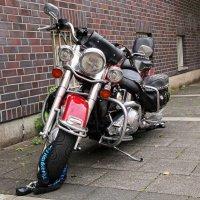 Harley-Davidson :: Alexander Andronik