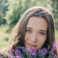 Девушка с цветами :: Marina Erofeeva