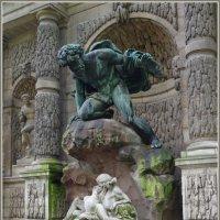 Люксембургский сад. Фонтан Медичи. :: Николай Панов