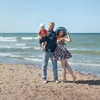 Смоляковы на пляже. :: Анна Анхен
