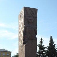 Памятник Якову Васильевичу Ушанову :: Борис Белоногов