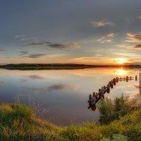 Летний вечер у пруда :: Александр Кислицын