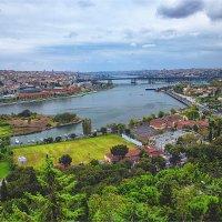 Панорама Золотого рога с холма Эйюп в Стамбуле :: Ирина Лепнёва
