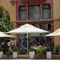Городское кафе :: Алёна Савина