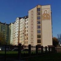 Общежитие   духовной   семинарии   и   жилой   дом   в   Ивано - Франковске :: Андрей  Васильевич Коляскин