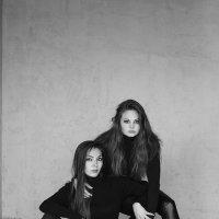 Карина и Вика :: Марина Ильюшенко