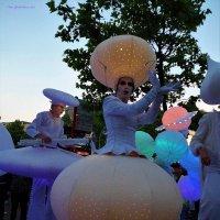 """Белый парад"" (Weiße Parade). Огни парада :: Nina Yudicheva"