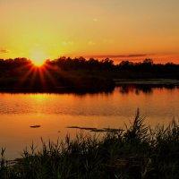 Закат над озером :: berckut 1000