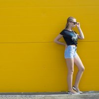 Жёлтая стена :: Женя Рыжов