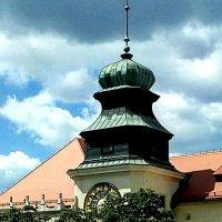 Замок с часами.Йоцовский нацпарк.Польша :: Galina Belugina