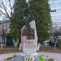 Памятник   погибшим   студентам   в   Ивано - Франковске :: Андрей  Васильевич Коляскин