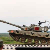 Кто сказал, что танки не летают? :: Алексей Озеров