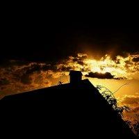 над крышей дома моего... :: Александр Корчемный