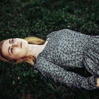 на траве :: Max Flynt