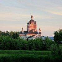 Крестовоздвиженский храм :: Сергей Кочнев