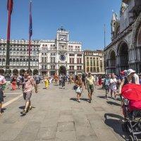 Туристы, Венеция, жара..... :: Tatiana Poliakova