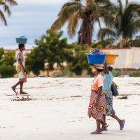 Утро в рыбацкой деревушке...Мадагаскар! :: Александр Вивчарик