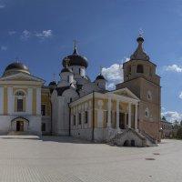 Свято-Успенский Старицкий Монастырь :: Yuri