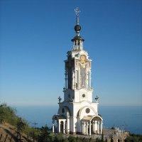 Храм- маяк Николая Чудотворца в пос.Малореченское, Крым :: Олег Денисов