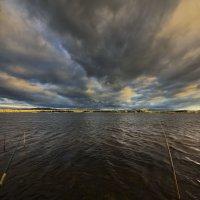 На рыбалке :: Сергей Жуков