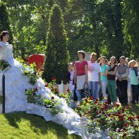 Невесты на примерке :: Николай Танаев